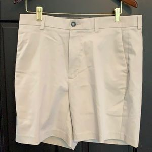 Roundtree & Yorke khaki shorts 36